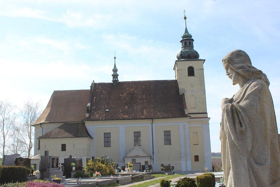 Kostel svatého Jakuba v Ježově.