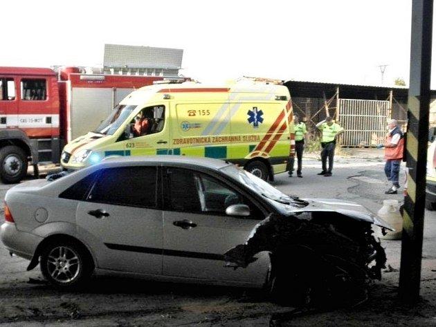 Pro zraněného řidiče, který ráno boural v Kyjově, musel přiletět vrtulník.