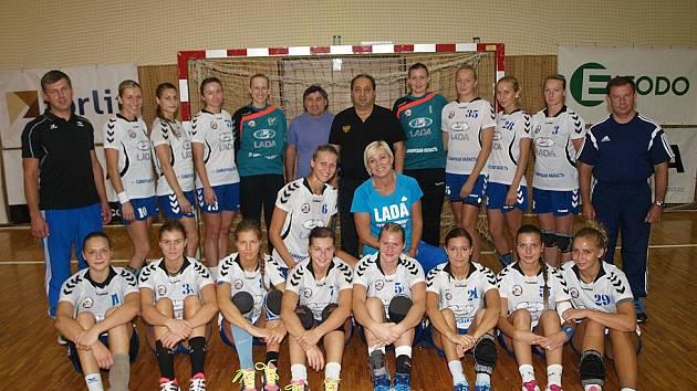 Devátý ročník mezinárodního házenkářského turnaje žen vyhrála Lada Togliatti. Přední ruský tým nenašel v Hodoníně přemožitele a po dvou letech znovu získal Slovácký pohár.