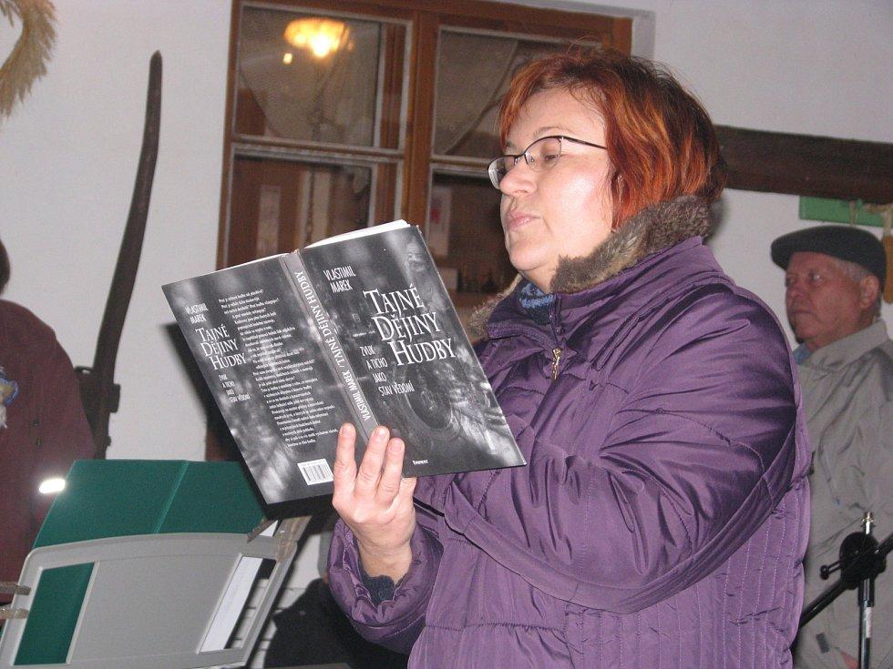 Kouzla, čáry a mysteria aneb Od čarodějnic k ezoterice. Tuto výstavu uvidí zájemci v lužickém Starém kvartýru v prosinci, lednu i únoru.