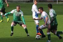 Fotbalisté Bzence (v zelených dresech), ilustrační foto.