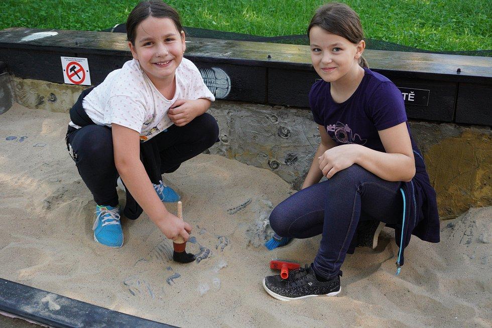 Otevření nového paleopískoviště a centra rýžování zlata v Hodoníně. Areál Muzea naftového dobývání a geologie.