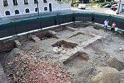 Záchranný archeologický výzkum v historickém jádru Hodoníně na rohu Anenské ulice a Masarykova náměstí.