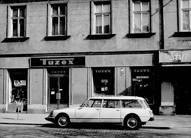 Tuzex, který v roce 1974 fungoval v Hodoníně na dnešní Národní třídě.