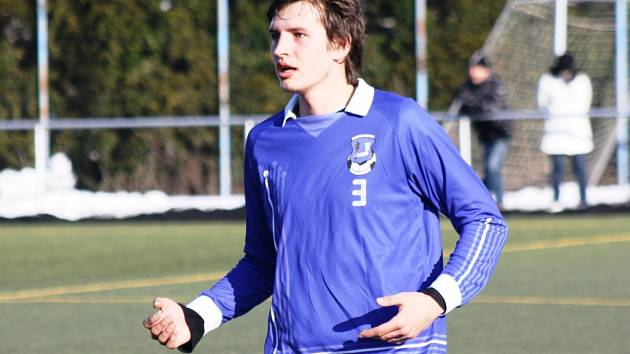 Mladý stoper Kyjova Zdeněk Bartoň porážce s Hlukem nezabránil.