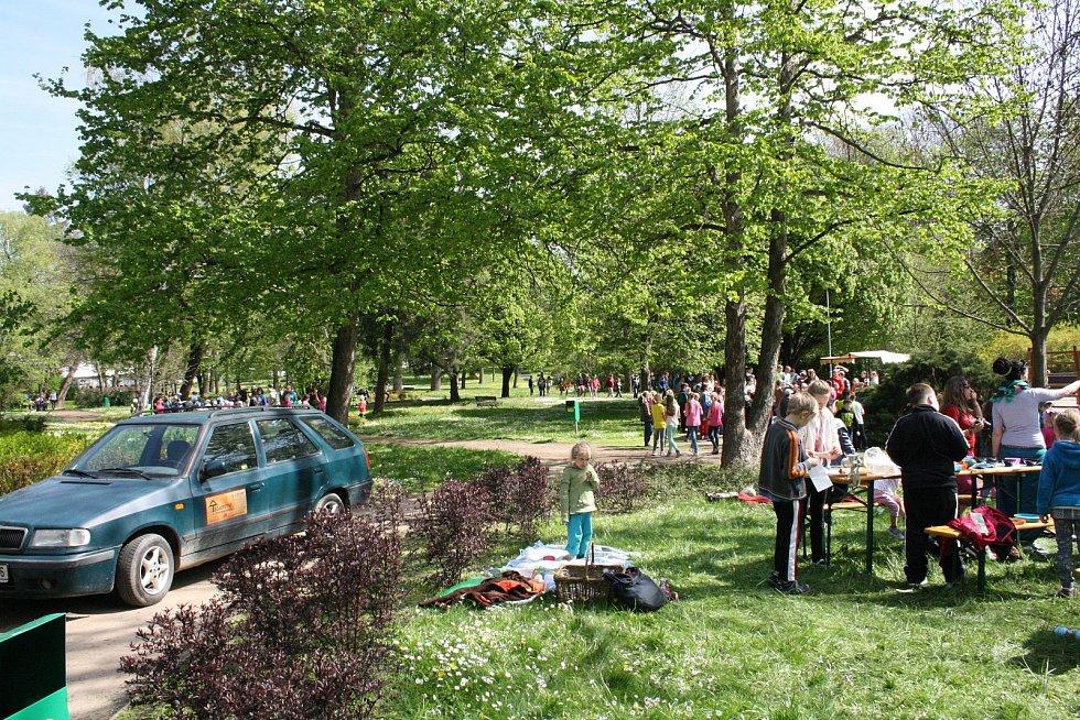 Stovky dětí se bavily v kyjovském městském parku při oslavách Dne Země.