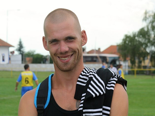 Třiadvacetiletý útočník Strážnice Tomáš Lípa nastřílel v minulé sezoně okresního přeboru Hodonínska čtyřicet branek.