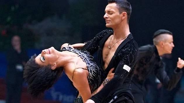 Hodonínští tanečníci Václav Masaryk s Klárou Chovančíkovou skončili na soutěži světového okruhu International Open Latin Rimini 2017 na skvělém šestém místě.