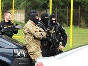 Workshop Policistou na zkoušku v areálu stadionu U Červených domků v Hodoníně. Jednotlivé policejní útvary představily svou práci, přiletěl také vrtulník se zásahovou jednotkou.