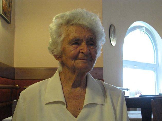 Jarmila Broskvová maturovala v hodonínském gymnázium v roce 1944.