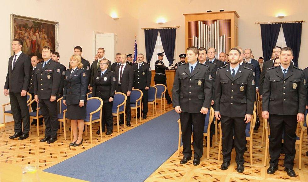 Slavnostní předávání ocenění připravili pro policisty v úterý v obřadní síni hodonínské radnice.