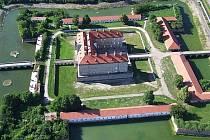 Panoramatická fotografie holíčského zámku.