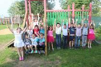 K lásce k přírodě vedou děti učitelky v mateřské školce v Rohatci.