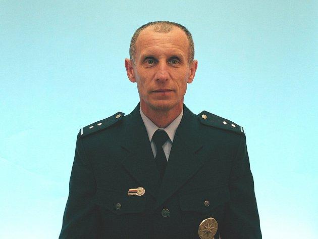 Policista Jan Vránka zachránil spolu s kolegou ve Strážnici život muži, který dostal infarkt.