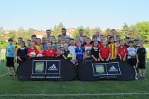 Coerver® Roadshow je tříhodinový tréninkový program je určený mladým fotbalistům ve věku od šesti do jedenácti let.