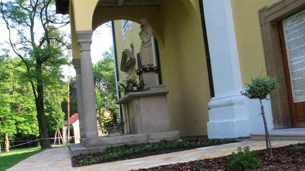 Změn se dočkal také interiér kaple na Svatém Antonínku.