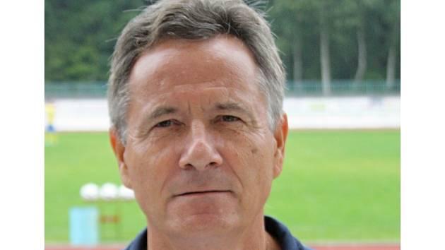 Známý trenér František Komňacký (na snímku) povede fotbalisty divizního Hodonína i v nadcházející sezoně.