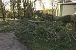 Následky silného větru v Hodoníně.