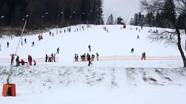 Start lyžařské sezony začátkem února ve Skiareálu Filipov u Javorníku.