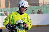 Útočník Martin Chovanec (na snímku) zaznamenal čestný úspěch sudoměřických hokejbalistů v Praze, kde slovácký celek prohrál s domácím Kert Parkem 1:12.