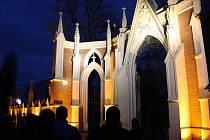 Hřbitovní zeď v Hodoníně.