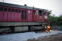 U Vnorov na Hodonínsku v pondělí potřetí ve dvou týdnech vykolejil vlak. Mimo železnici se tentokrát dostala přední kola posunovací lokomotivy na vyloučené koleji při pracích na zprůjezdnění trati.
