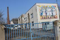 Areál bývalé mlékárny v Kyjově v závěru února 2021.
