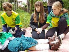 Okresní soutěž hlídek mladých zdravotníků v areálu Základní školy U Červených domků v Hodoníně.