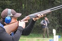 Vnorovský střelec zavodící za Kometu Brno, Jakub Tomeček, předvedl svůj um i na hodonínské střelnici.