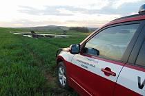 Tragický pád malého letadla na letišti u Kyjova. Ve stroji uhořeli dva muži.