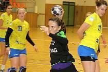 Hodonínské házenkářky (v černozelených dresech) prohrály ve čtvrtfinále Českého poháru žen s favorizovaným Zlínem 23:36 a v soutěži skončily.