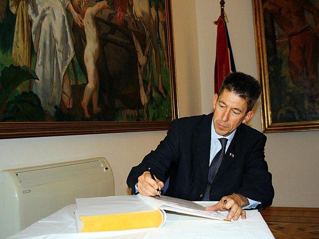 Do Hodonína zavítal První rada francouzského velvyslanectví v České republice Nicolas De Lacoste.