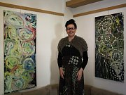 Malířka Lenka Dohnalová vypustila svoje Medůzy do Čajovny Galerie v Kyjově.