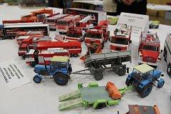 Dům dětí a mládeže Kyjov pořádal soutěž a výstavu papírových modelů Pohár Kyjovské Radnice.