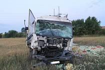 Mezi Žarošicemi a Násedlovicemi havaroval ráno náklaďák. Vezl cibuli.