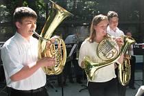 Pátý ročník festivalu dechových hudeb přilákal do petrovských Plžů stovky příznivců dechovky.