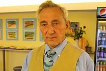František Martinek oslavil osmdesát let. K příležitosti svého jubilea má výstavu obrazů v kavárně kina Svět v Hodoníně.