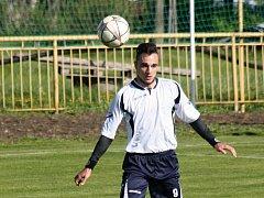Útočník Tomáš Knotek (na snímku) se sice v Podivíně střelecky neprosadil, Vacenovice přesto na hřišti Slavoje zvítězily 2:0.