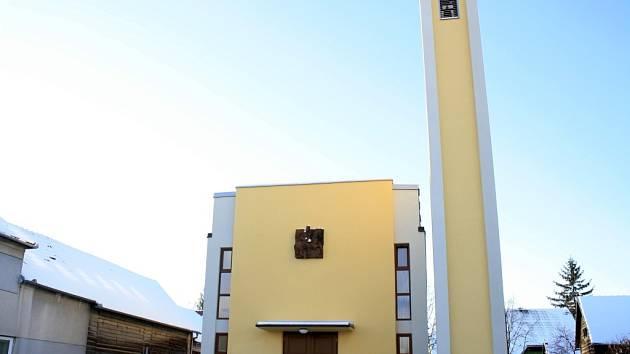 Jednačtyřicet let stará kaple svatého Martina v Kozojídkách má za sebou rozsáhlé opravy.