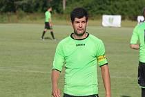 Zkušený fotbalista Fotis Maniatis (na snímku) stejně jako zbytek týmu opouští Lovčice a hledá si nový klub.