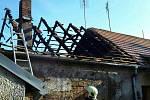 Ve Strážnici hořela střecha ubytovny.
