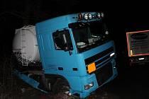 Nehoda dvou kamiónu mezi Silničnou a Nížkovicemi.