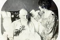 František Xaver Bakeš s vnučkou Věrou.