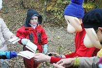 Jedovničtí pionýři připravili pro děti Pohádkový les.