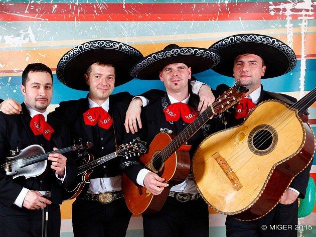 Boskovická kapela Mariachi Espuelas hraje mexickou hudbu.