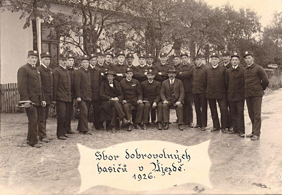 Členové SDH Újezd u Kunštátu v roce 1926.