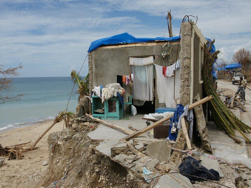 Klára Lőffelmannová strávila na Haiti zpustošeném hurikánem celý měsíc.