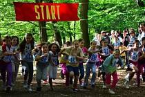 Téměř stovka dětí z letovické základní a mateřské školy se ve středu zúčastnila tradičního Běhu zámeckým parkem.