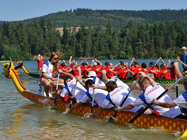Dračí lodě na Křetínka Cupu. Ilustrační foto.