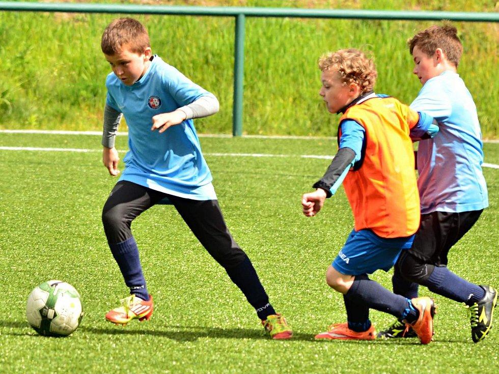 Vítězi okresního kola fotbalového McDonald´s Cupu se stali žáci ZŠ Letovice a Lysice.